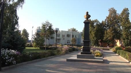 памятник великому земляку Щепкину